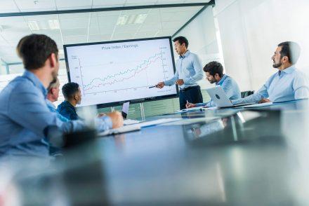 Saiba como a Inteligência Artificial é usada em softwares corporativos